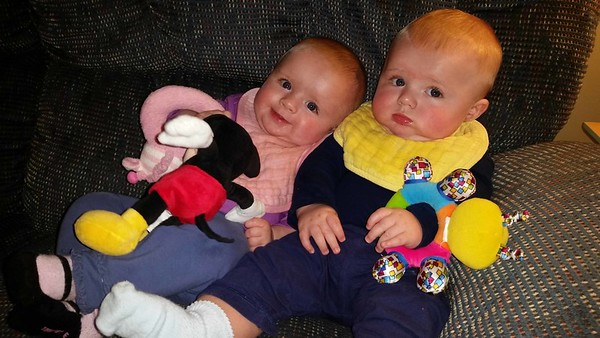 2016-11 Twins at six months