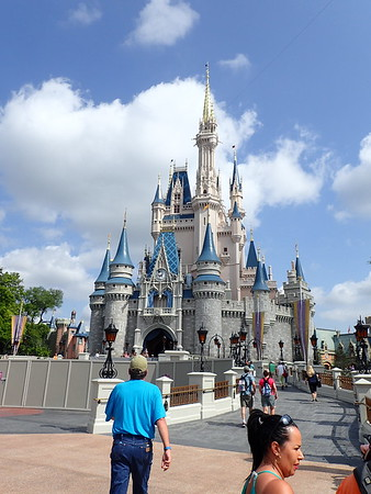 2016-05 Éliane à Disney