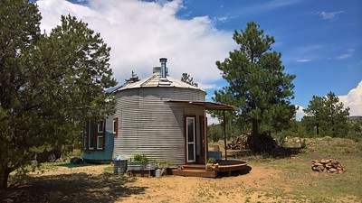 Grain bin home at Los Silocitios