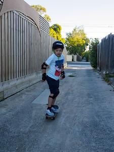 Back-alley skater