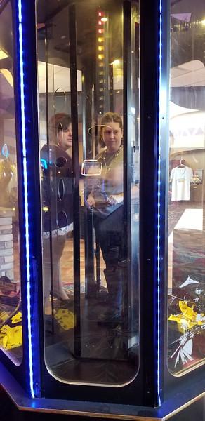 2017-10-04 Shanda in Cash Box