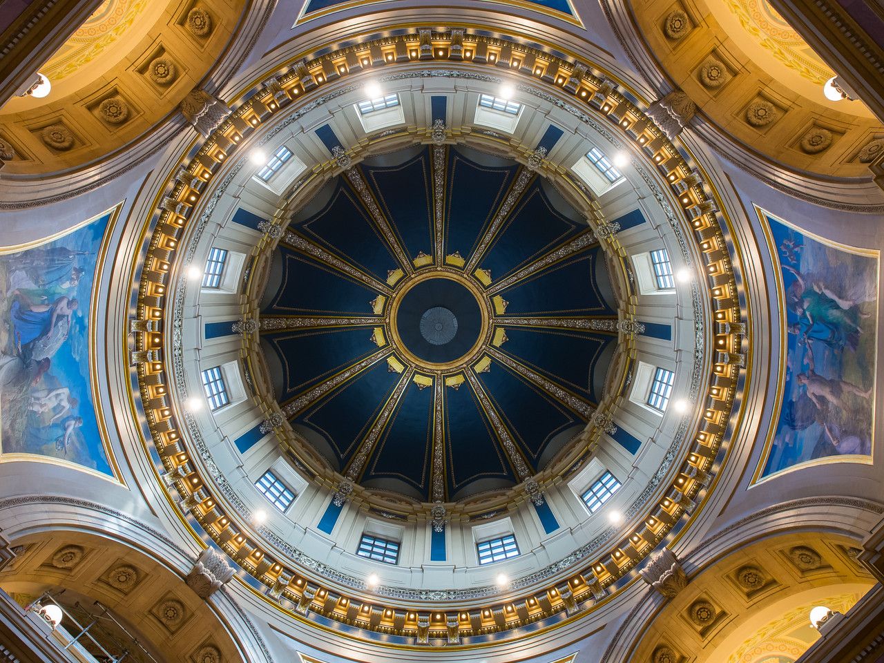 Looking up at the dome interior, MN State Captiol