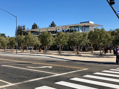 """Apple Park Campus """"The Mothership"""" Visitors Center 2-13-18"""