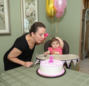 Emmy's 1st Birthday0038