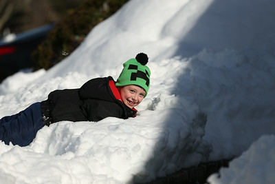 JJ Playing in the snow-228