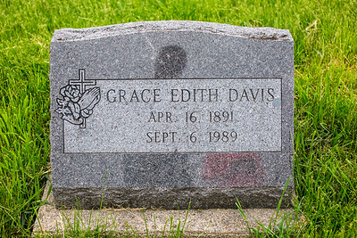 Howell Gravestones. Grace Edith Davis.