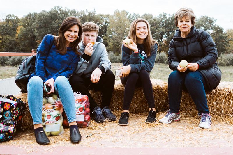Kim, Jack, Ella, Trish on Hay Wagon