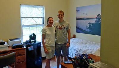 Dorm Room - The Suites - Jack & Amy