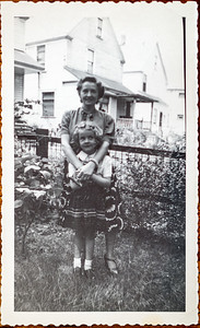 Edith Howell Adair & Robin Adair, Cleaveland, OH crica 1950. 8104 Holly Ave.