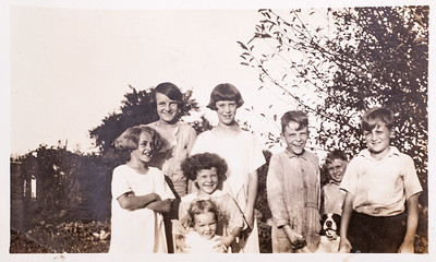 Lillian Howell (baby), Edith & Alice Howell, Ann (Herb's Sister), ?, Herb (cousin), Bob Howell (brother) & ?