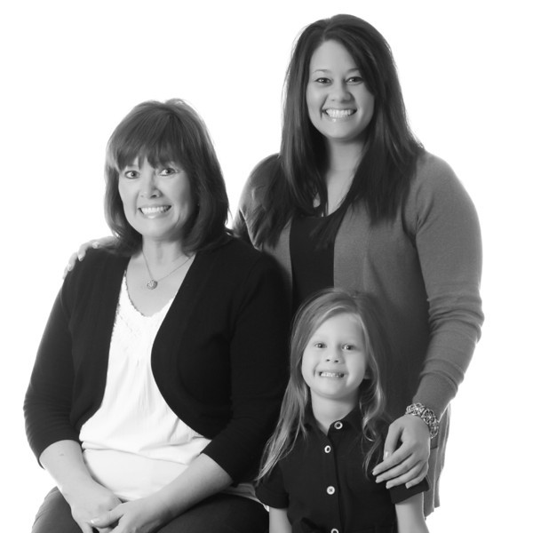 Kelly and her mom and daughter!