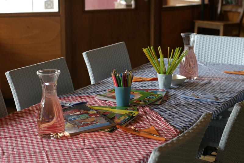 Kids table in Tante Truus