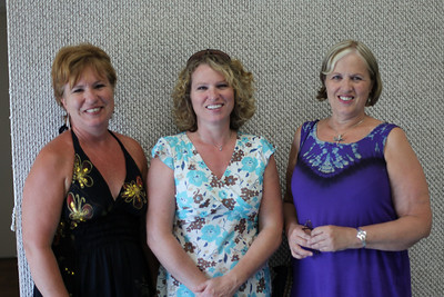 Debbie Pattison, Susan Hogarth and Lynda Pattison (daughters of Al Martindale and Vivian)