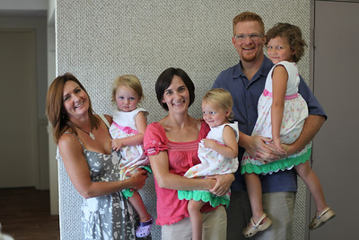 Darlene Kindopp (Martindale) with l-r: Lila, Tedra Kindopp, Neve, Jason Holtom and Naia