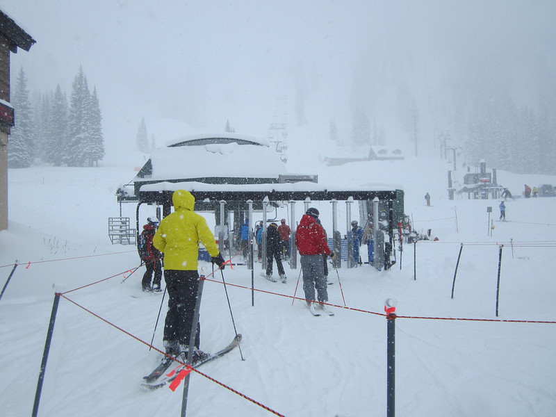 ...and only so few people on a champagne powder day - more for us!!!!