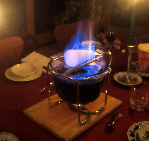 "...followed by the ""Feuerzangenbohle"" (fire tongs mulled wine) for dessert!!"