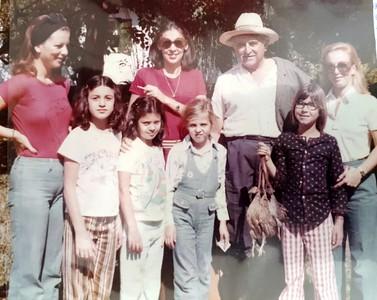 Maria Luiza, Meca, Julio, Cecilinha Adriana Papa, Luciana Papa, Maria Eugenia Queiroz, Christina Giorgi