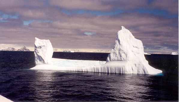 iceberg floating 3