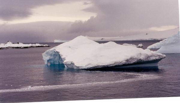 iceberg 6 sky sea
