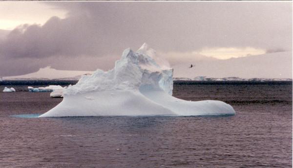 iceberg 5  sea