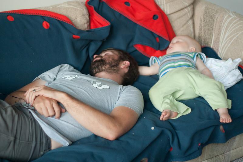 <b>10.5 months</b> Finn and Papa naps
