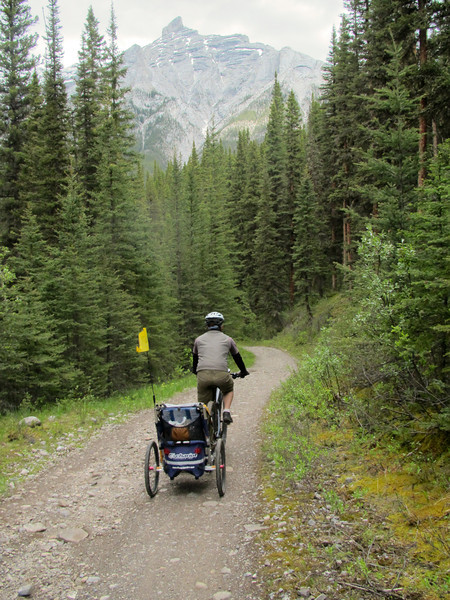 <b>25 June 2011</b> Cycling the Goat Creek trail from Canmore to Banff