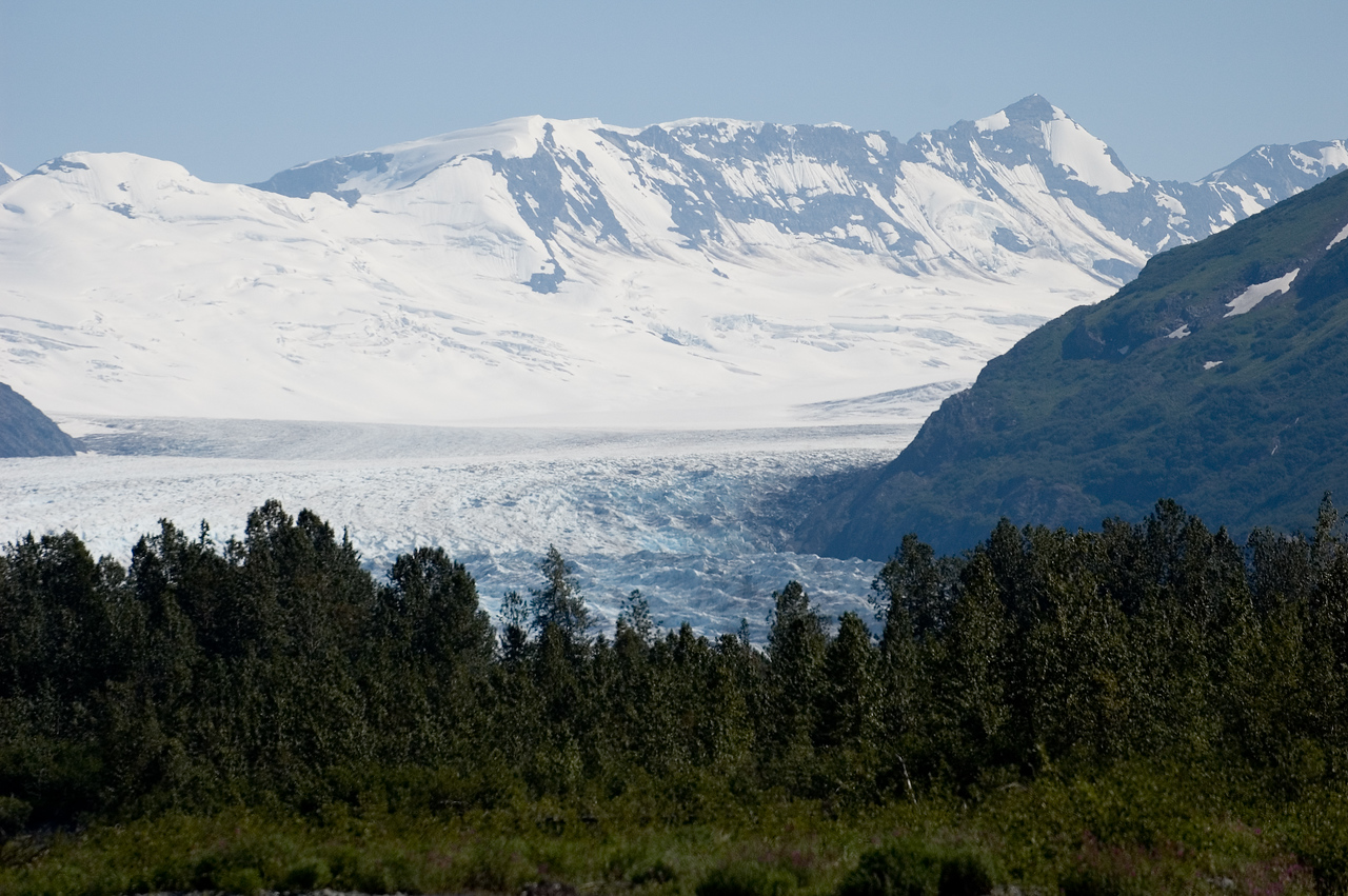 A more distant look at the glacier.