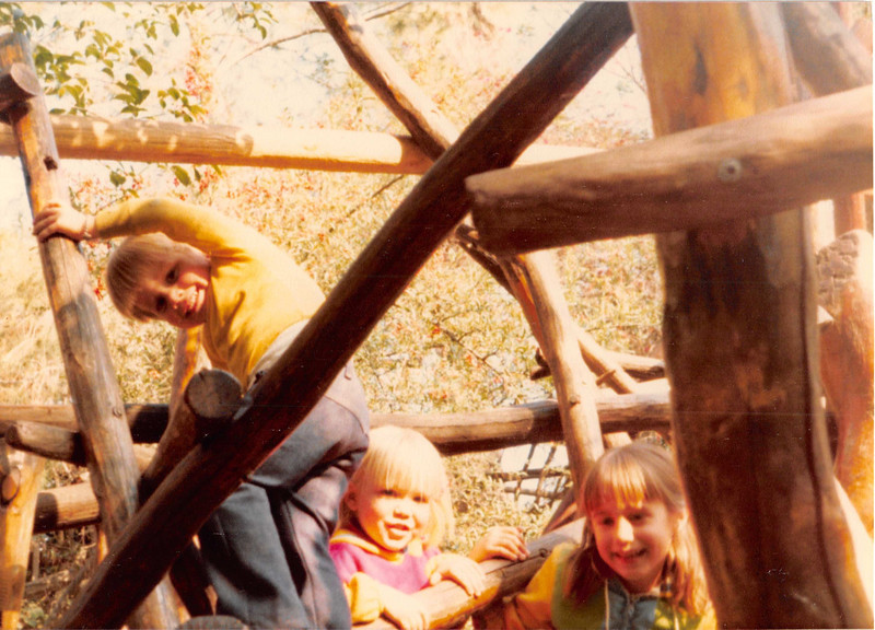 Dec. 1981<br /> Knott's Berry Farm<br /> Wes, Teresa & Brynne