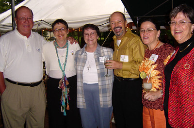 brothers and sisters (Mike, Gail, Glenda, Tommy, Mimi, Betty)