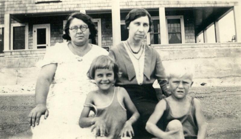 grandma_sister_sade_kids