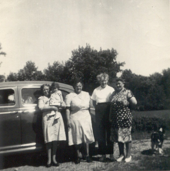 grandma_berndt_doris_tom_margaret