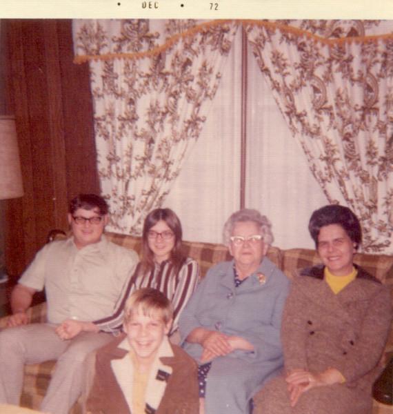 grandma_berndt_doris_kids2