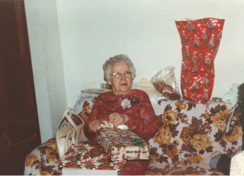grandma_xmas-82