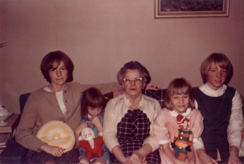 grandma_n_alberts_kids