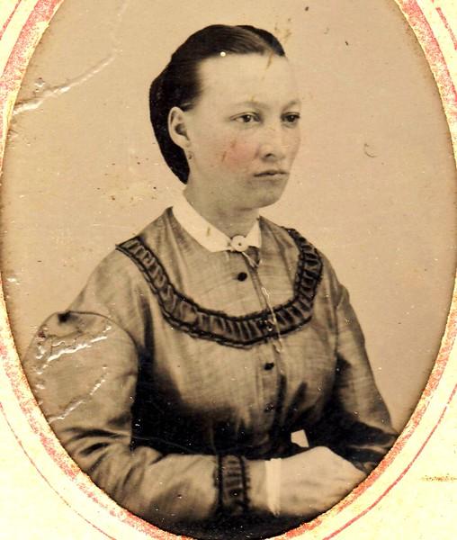 E2b L1 young Aunt Eliza Welhausen tintype
