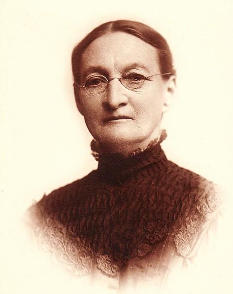 E2c Chas' wife Eliza (Amsler) Welhausen 1843-1921 Waco bef  May 1909 - Copy