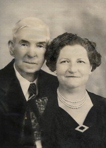 13. Uncle Vic (Victor) and Aunt Dally (Dallia Edith Varnum Moore) Phipps, c.1948, Roseburg, OR