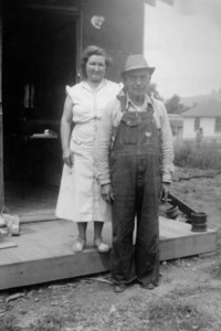 1. Reuben and Evelena (Varnum) Moore at their home in Winston, OR, in June 1953.