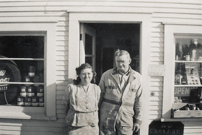 38. Ina May and Gilbert (Gil) Hosier, c. 1950, Arlington, WA