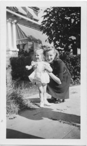 Nancy with Aunt Helen James