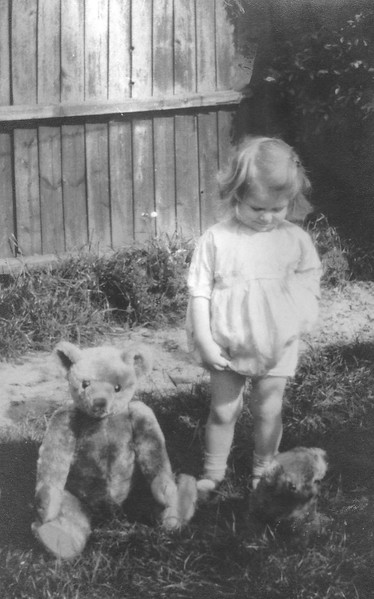 Dorothy Rhoda Lewis (nee Radford) aged about 2