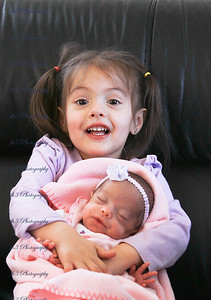 Makayla finally gets to meet her little sister