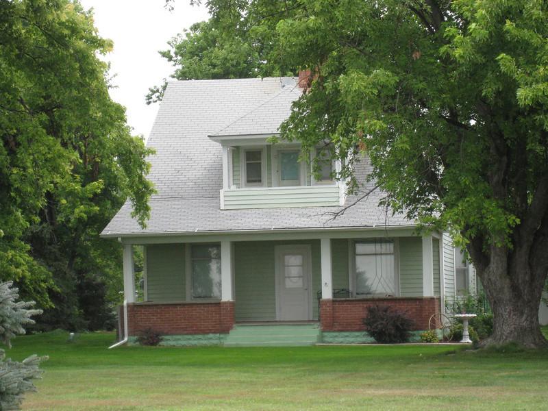Mom's (Gail Gardner) house/farm in Loomis