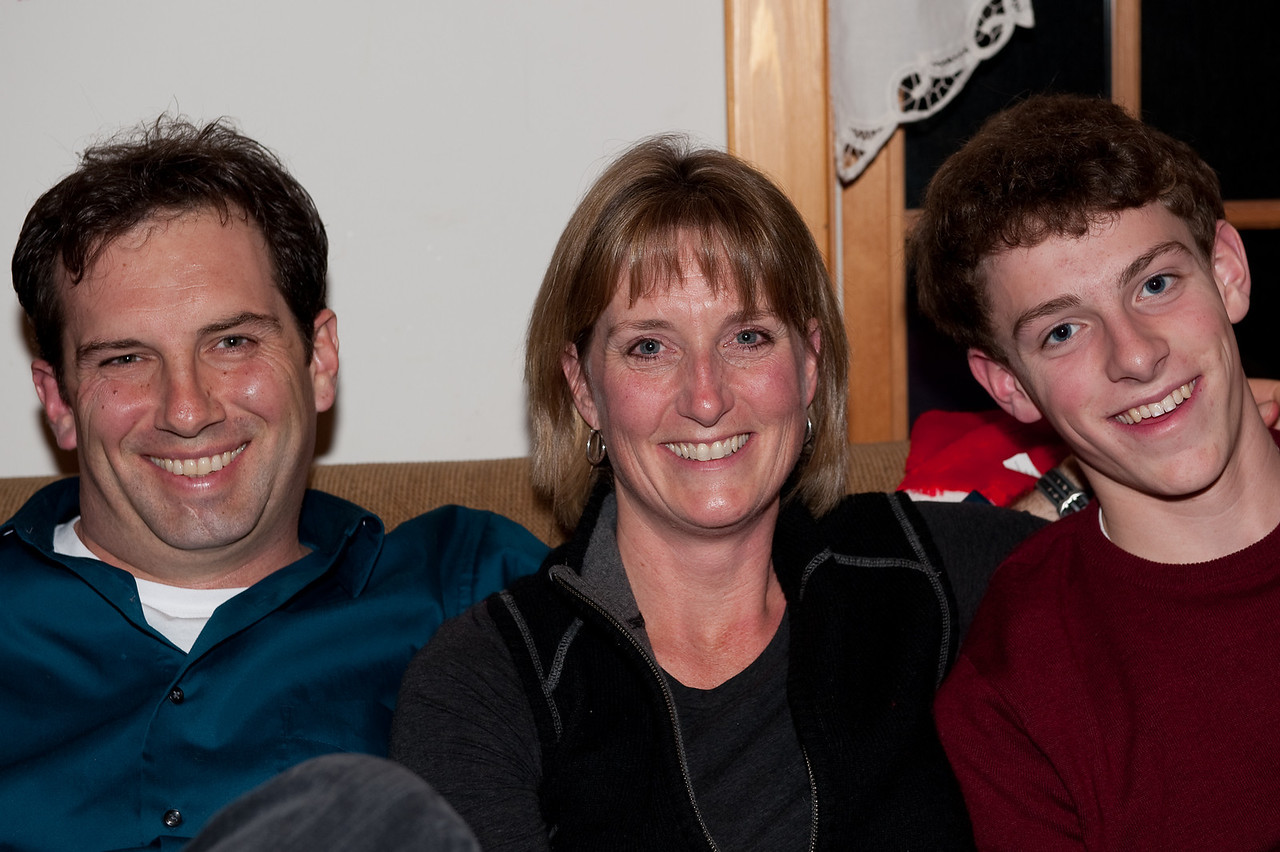 Anna D & Albany  Family Christmas 2009 (18 of 24)
