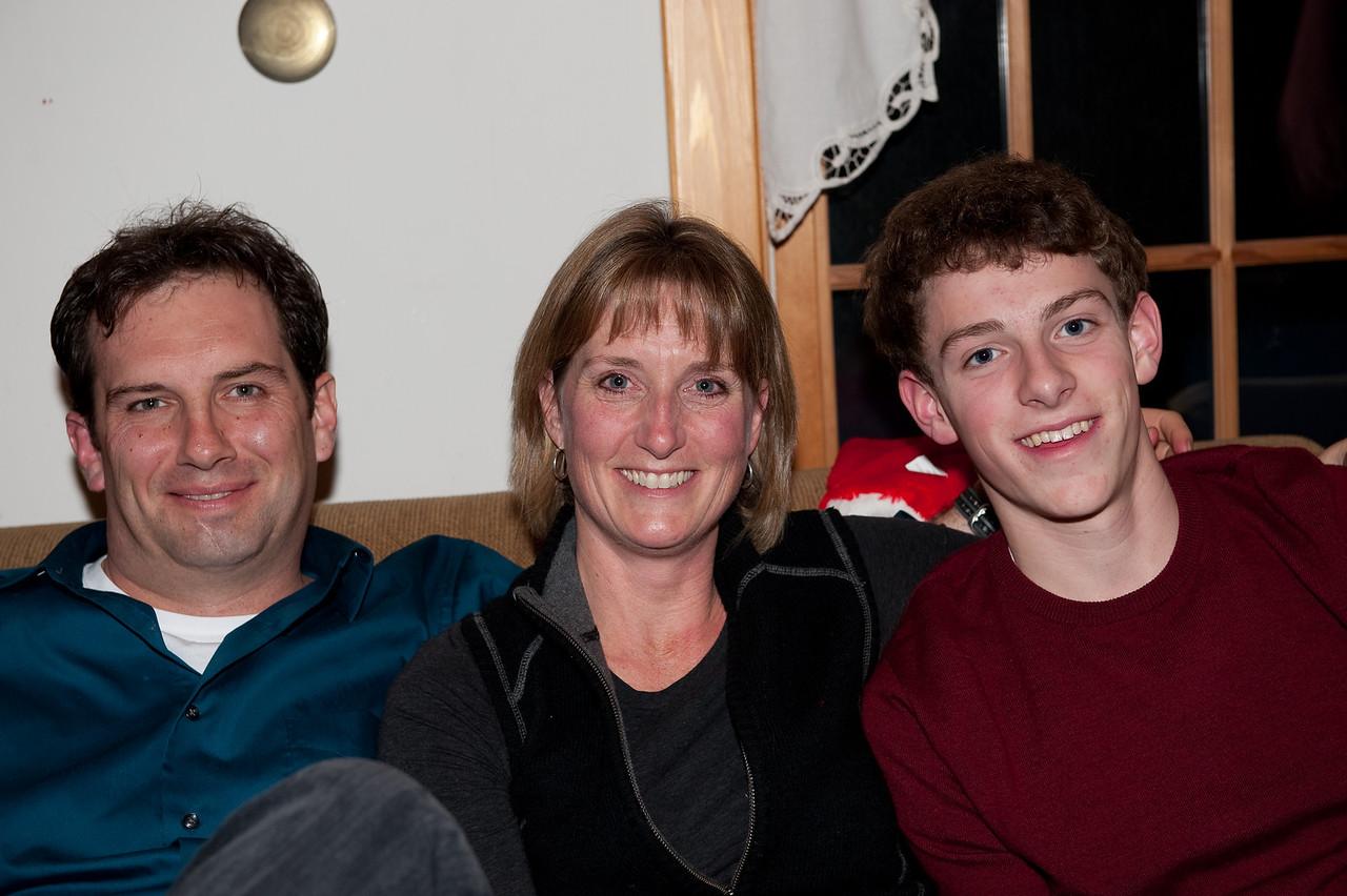 Anna D & Albany  Family Christmas 2009 (19 of 24)