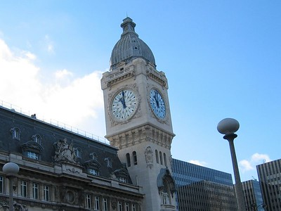 Clock Tower at Gare de Lyon train station in Paris.   Took RER Metro from Charles de Gaulle Aeroport to Chatelet Les Halles station, then transfer to Gare de Lyon station.  Then took train to city of Clermont-Ferrrand.
