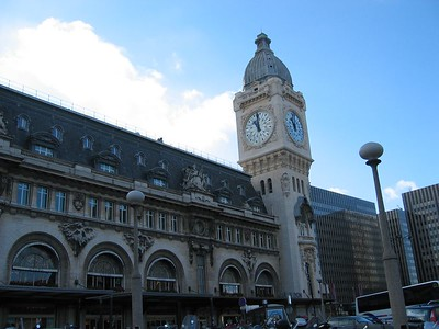 Outside Gare de Lyon, waiting for the train to Clermont Ferrand Sunday morning.