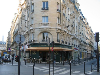 To my surprise, there really are lots of cafe's in France!