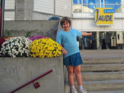 The Jaude Center mall is located at the town square, 5-10 minute walk from Apartment.