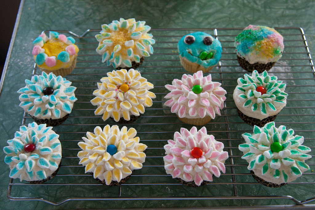 Anna: this was a LOT of work for only 12 cupcakes!